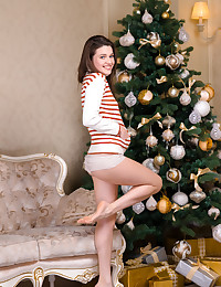 Serena Wood bare in glamour HINE gallery - MetArt.com