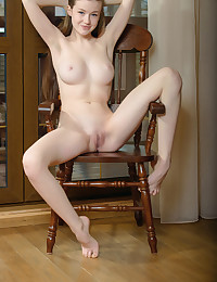 Softcore Beauty - Naturally Super-sexy Amateur Nudes