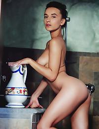 Gloria Sol nude in glamour MILK SHOWER gallery