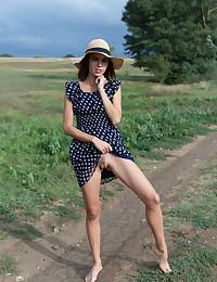 Gracie nude in erotic THE CLOUDS gallery - MetArt.com