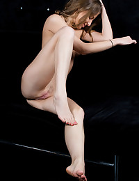 Erotic Bombshell - Naturally Stellar Amateur Nudes