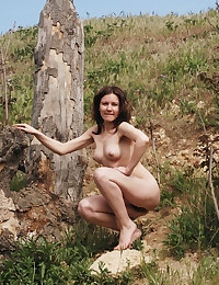 Erotic Beauty - Naturally Magnificent Amateur Nudes