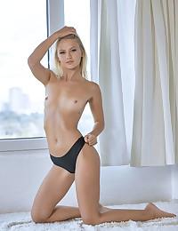 Erotic Beauty - Naturally Stellar Fledgling Nudes