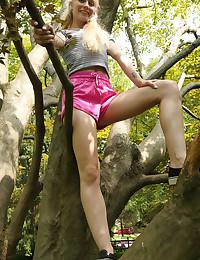 FREE CLIMB with Emma Starletto - ALS Scan