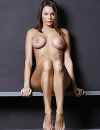Hottest degree figure hard ripped by powerful, hard ripped build, and powerful curves.
