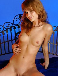 Darien performs an glamour meeting-hall striptease, displaying her slim assets and toned physique.