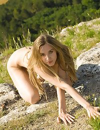 Glamour Hottie - Naturally Magnificent Fledgling Nudes