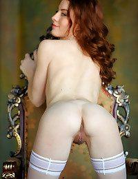 Sienne naked in glamour NOBERA gallery - MetArt.com