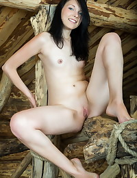 Yvonne A naked in erotic RIGIES gallery