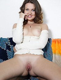 Odara bare in erotic SETTHI gallery - MetArt.com