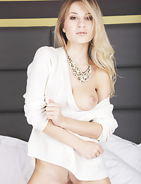 Candice B bare in glamour GOCITA gallery