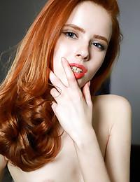 Bella Milano naked in glamour Introducing BELLA MILANO gallery - MetArt.com