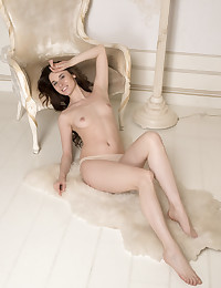 Angel Spice bare in glamour FELTINA gallery