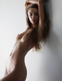 Elin bare in glamour CLIA gallery