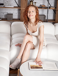 Dennie naked in glamour ERAMNI gallery - MetArt.com