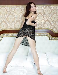 Aurmi bare in erotic SINEE gallery - MetArt.com