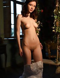 Ultra-cute nude model