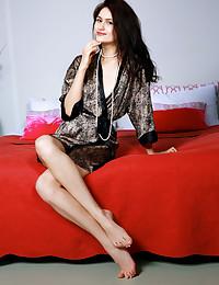 Megan Elle bare in glamour ERHINA gallery - MetArt.com